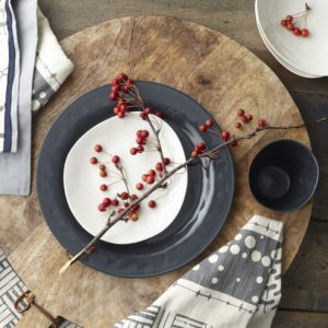 Margot Black Porcelain Dinner Plate